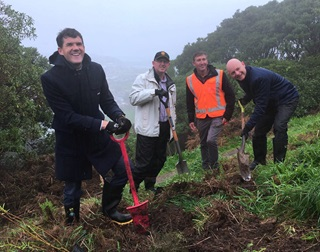 Image of team digging on Mt Vic for Arbor Day