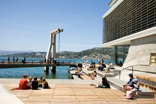 Wellingtonians enjoying the waterfront on a summer's day.