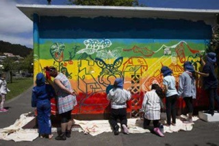 Newtown School students painting Carrara Park substation.