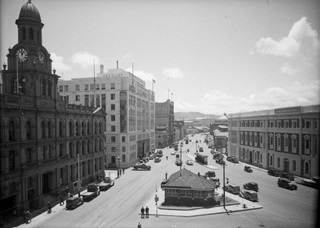 Clarrie Gibbons building in 1940.